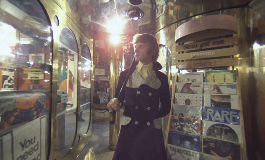 Counter-Culture in A Clockwork Orange. Alex walks through the discoteque.